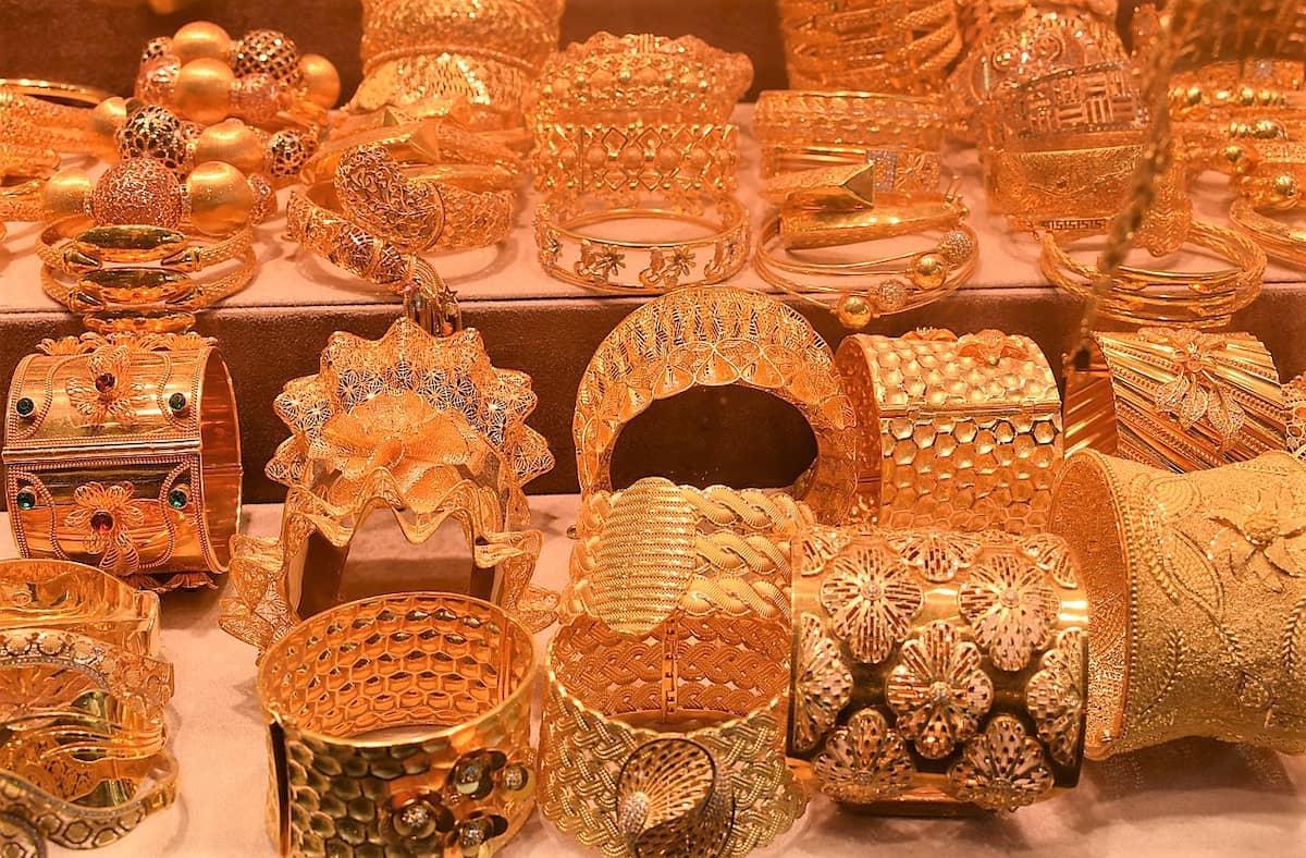 Dans ce souk de l'Or de Dubaï, on trouve de tout, à tous les prix.