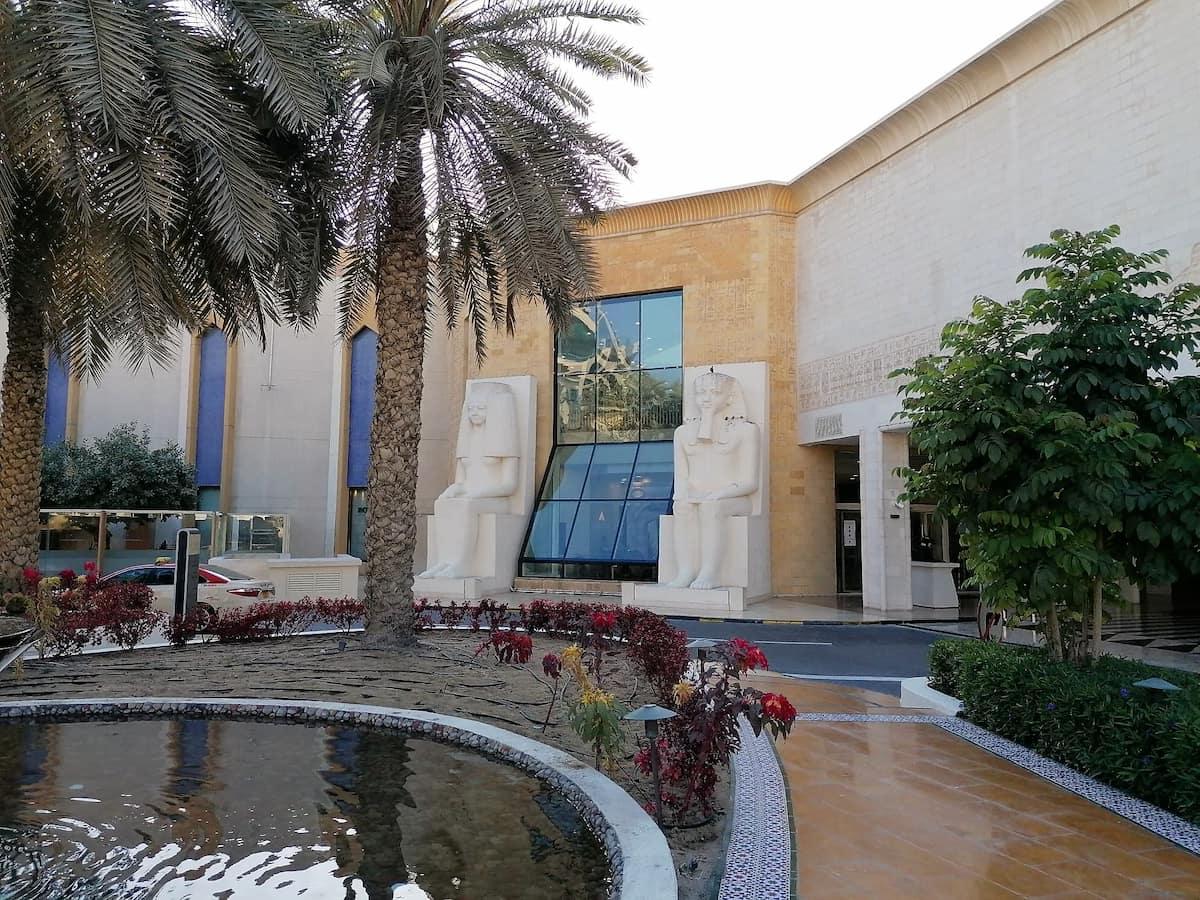 La décoration de Wafi Mall nous transporte en Égypte lors de notre shopping