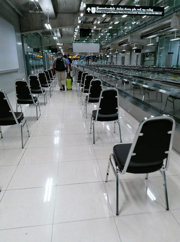 L'aéroport de Bangkok est désert