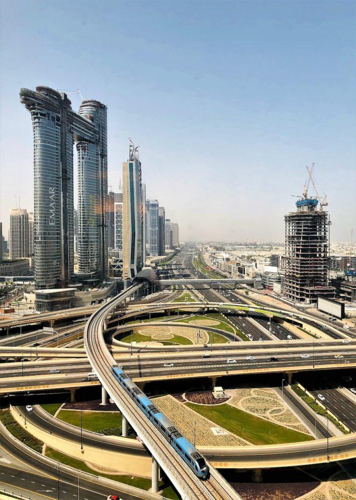 Le métro de Dubaï est hors terre et sans conducteur