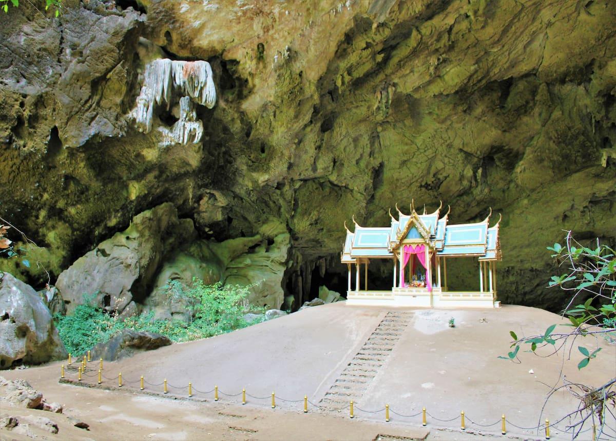 Phraya Nakhon Cave et son magnifique pavillon