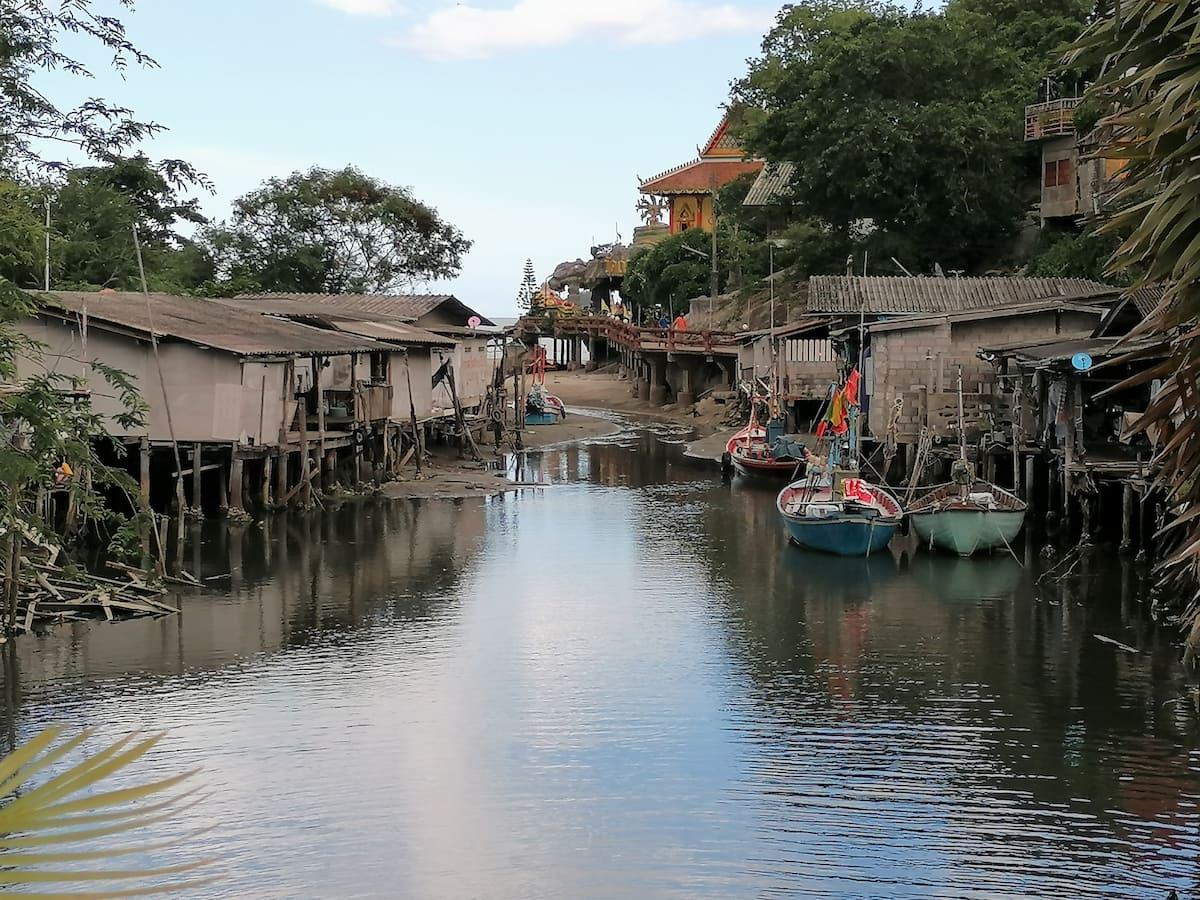 Le hameau de pêcheurs de Khao Toa à marée basse