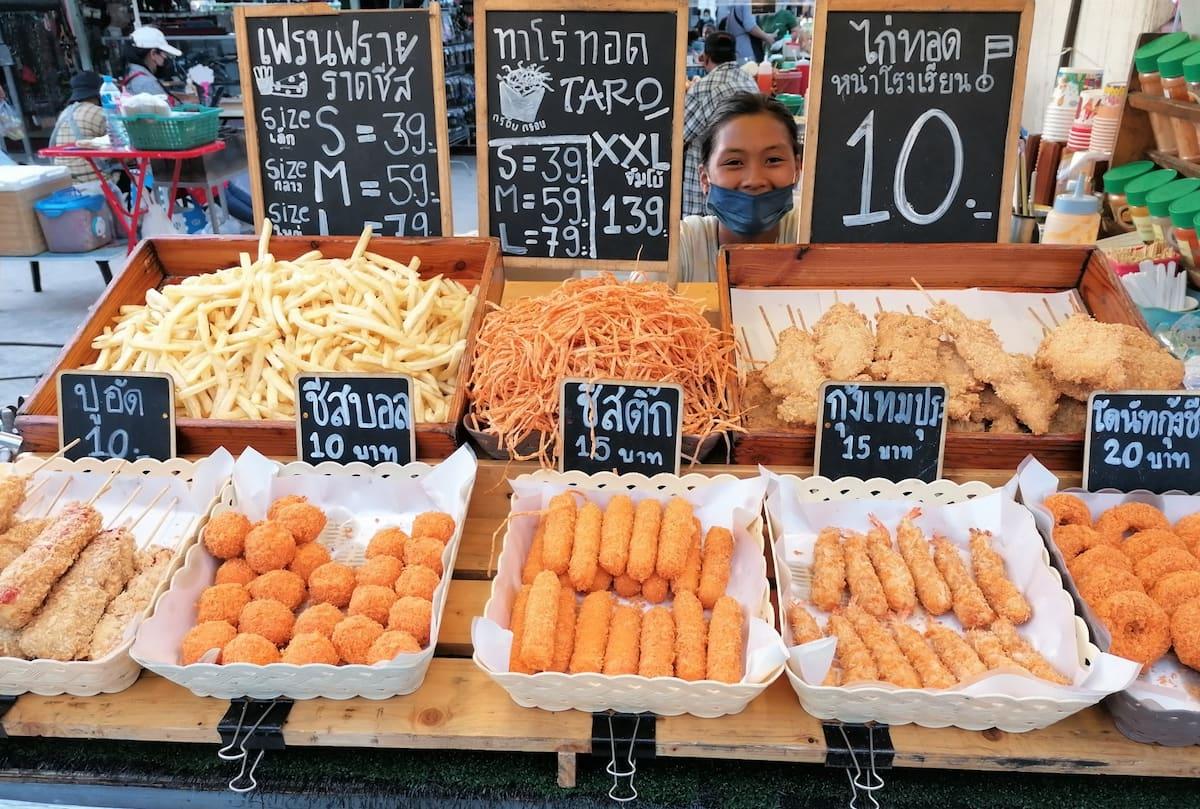 Manger et manger encore, les thaïs mangent tout le temps