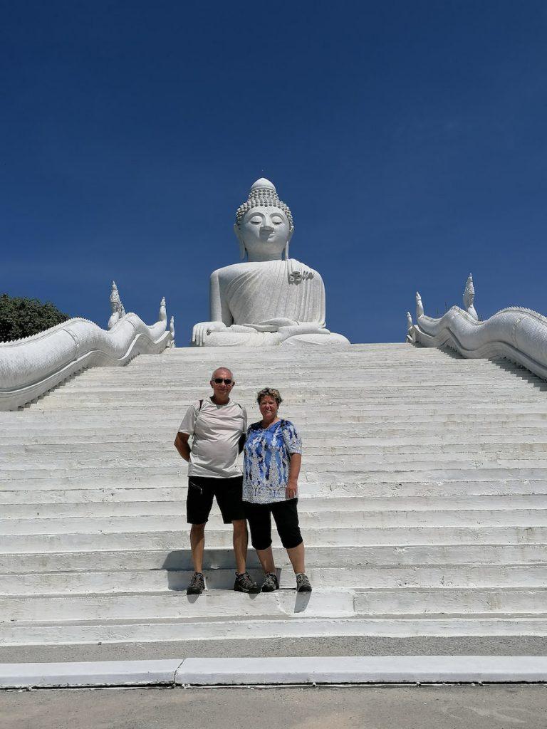 Le Big Buddha de Phuket est impressionnant